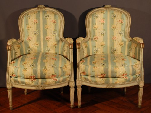 A french Louis XVI pair of wing chairs - Seating Style Louis XVI