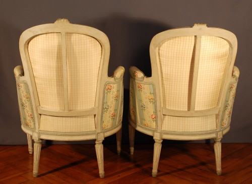 18th century - A french Louis XVI pair of wing chairs