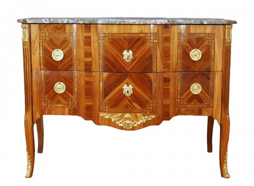 A french Transition Commode 18th century