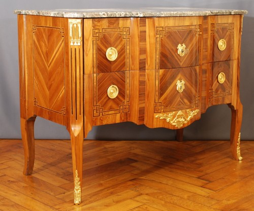 Furniture  - A french Transition Commode 18th century