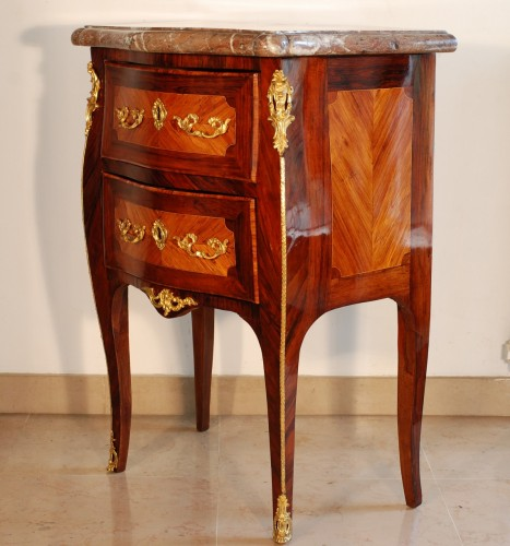 Small Louis XV commode stamped J.C. Ellaume 18th century - Furniture Style Louis XV