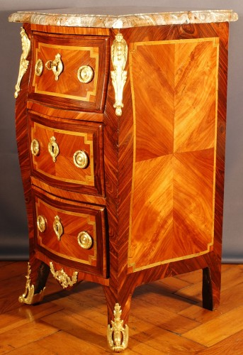 Very small french Transition Commode 18th century - Furniture Style Transition