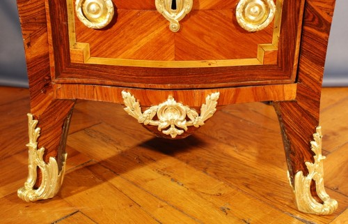 Antiquités - Very small french Transition Commode 18th century