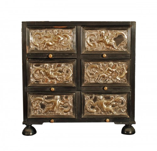 Small cabinet Flanders 17th century