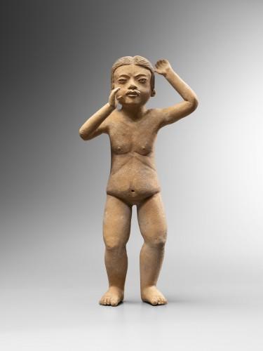 Standing figure - Xochipala -