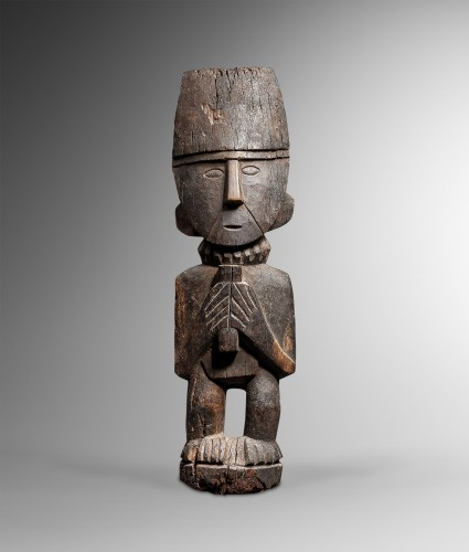 Standing figure, Totem - Chimu - Ancient Art Style