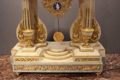 Louis XVI marble clock - Louis XVI