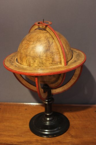 Earth globe dated 1831 - Collectibles Style Restauration - Charles X