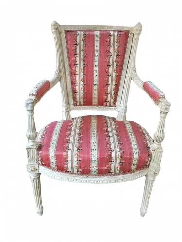 Pair of Louis XVI armchairs stamped AVISSE