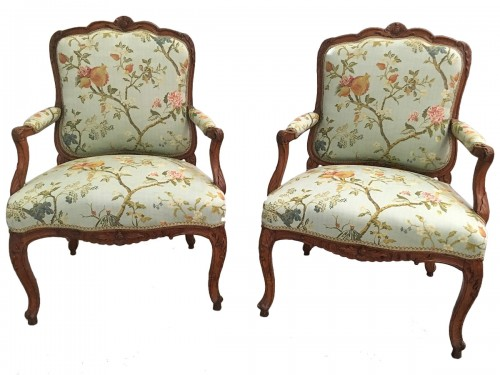 Pair of Louis XV fauteuils stamped Cresson