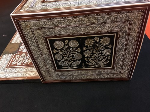 Mughal cabinet 17th century - Furniture Style