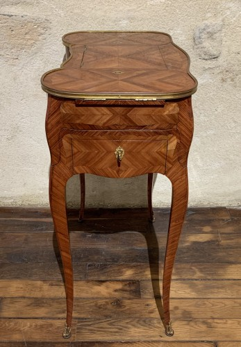 18th century - Small table stamped Saunier