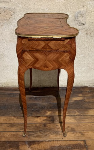 Louis XV - Small table stamped Saunier