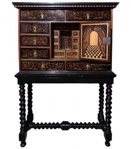 Louis XIV cabinet
