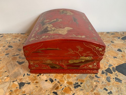 Red lacquer wig box - Decorative Objects Style Louis XV
