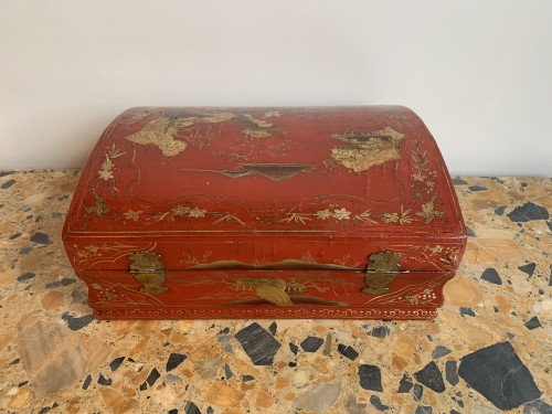 Decorative Objects  - Red lacquer wig box