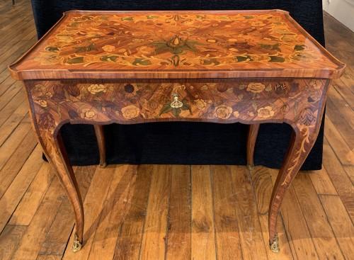 Louis XV small table  - Furniture Style Louis XV