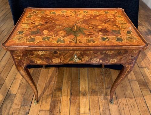 Louis XV small table  - Louis XV