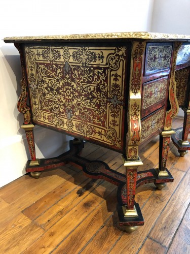 17th century - Mazarin desk in Boulle marquetry, Louis XIV period end of the 17th century