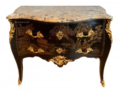 Louis XV Chevallier lacquer chest of drawers