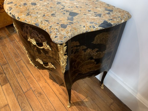 Louis XV Chevallier lacquer chest of drawers - Furniture Style Louis XV