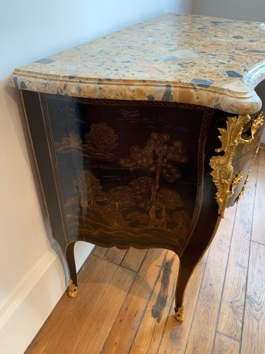 Furniture  - Louis XV Chevallier lacquer chest of drawers