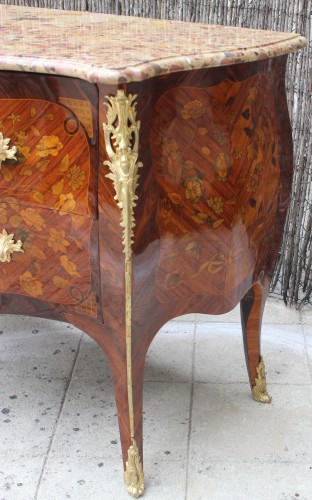Furniture  - Louis XV commode stamped by Pierre Flechy