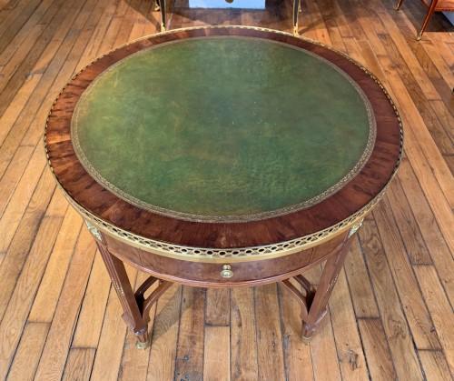 Antiquités - Louis XVI period pedestal table