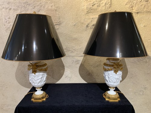 Pair of late 19th century biscuit vases mounted as lamp - Lighting Style Napoléon III