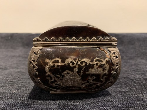 Louis XIV tortoiseshell and pewter box -