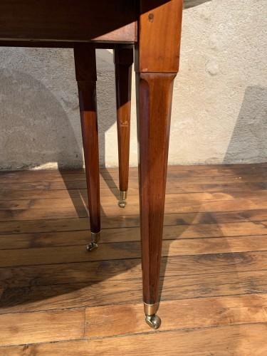 Louis XVI mahogany dining table -