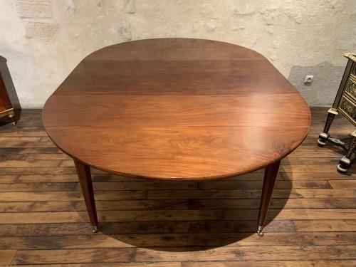 Antiquités - Louis XVI mahogany dining table