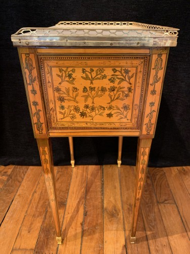 Furniture  - Small table attributed to RVLC, Louis XVI period