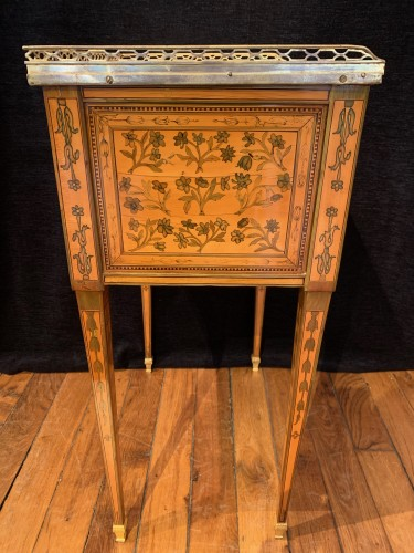 18th century - Small table attributed to RVLC, Louis XVI period