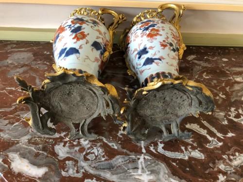 Antiquités - A pair of Imari covered vases