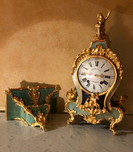 Louis XV period green cartel with chimeras - Horology Style Louis XV