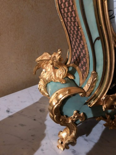 Louis XV - Louis XV period green cartel with chimeras