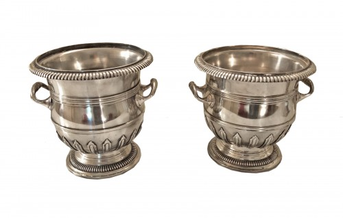 Coolers in the shape of a bucket in silvered bronze Louis XIV period