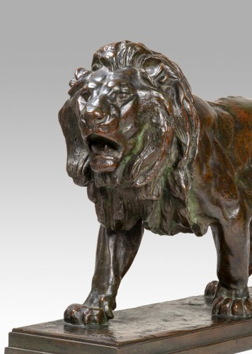 BARYE Antoine-Louis (1795-1875) - Walking lion  -