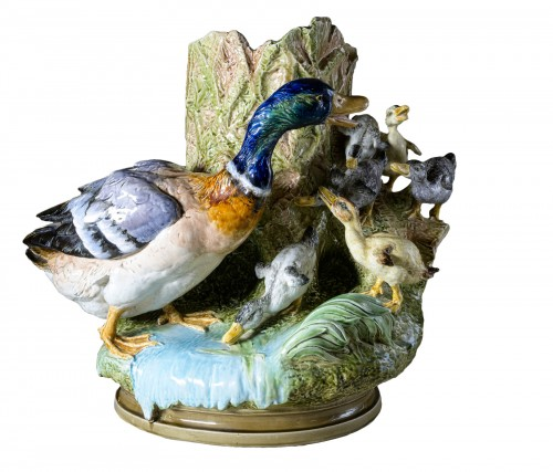 Louis Robert Carrier Belleuse (1848 - 1913) - Polychrome barbotine with duck and ducklings