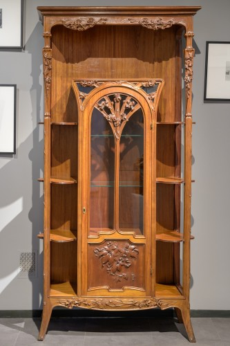 Louis Majorelle - Display cabinet in walnut and rosewood - Furniture Style Art nouveau