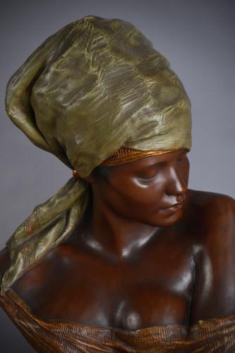 Goldscheider, terracotta of a bust of berber woman - Sculpture Style Art nouveau