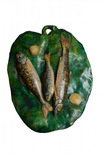 Alfred Renoleau, Glazed leaf with three fish - enameled ceramic.