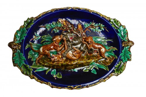 Sarreguemines, Large dish with wolf hunting scene