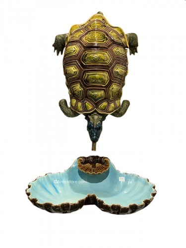 Sarreguemines, Majolica - turtle making and its matching shell-shaped basin