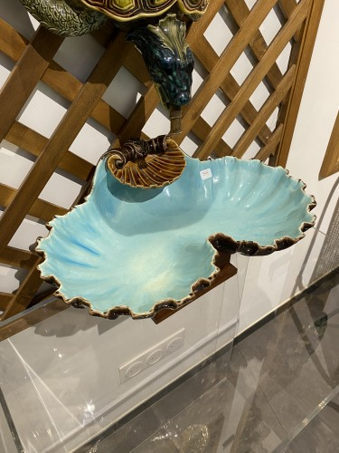 Porcelain & Faience  - Sarreguemines, Majolica - turtle making and its matching shell-shaped basin