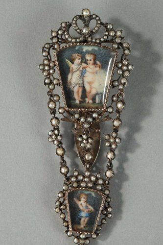 Silver chatelaine with pearls. 19th century. - Antique Jewellery Style Restauration - Charles X
