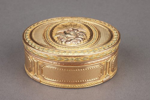 Gold snuffbox Louis XVI period