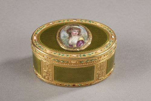 Gold and enamel snuff box18th century