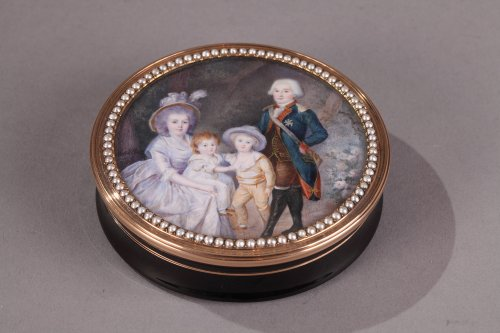 Gold  and tortoiseshell box with miniature signed Morel 18th century